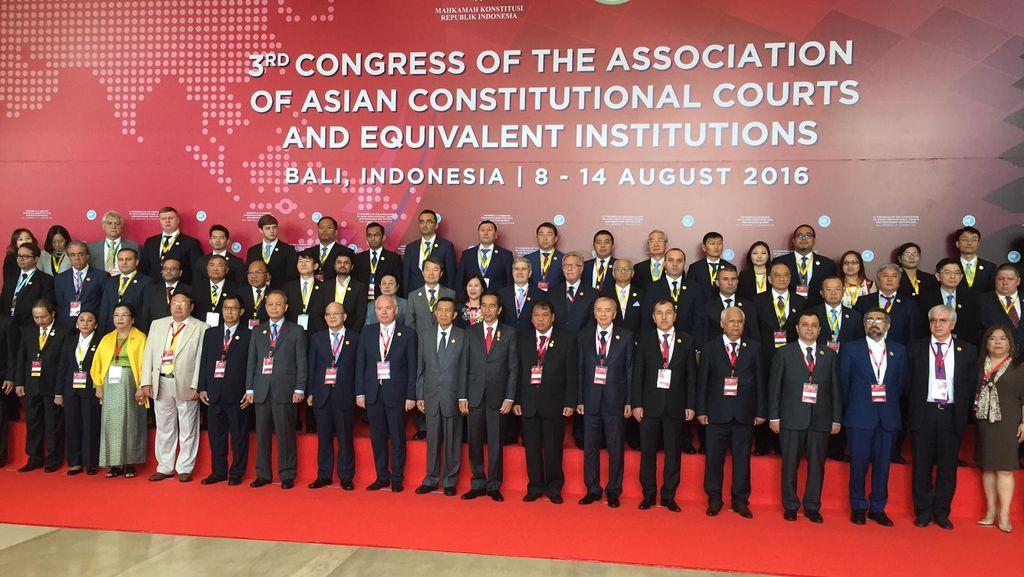 Di Kongres MK se-Asia, Jokowi: UU Harus Semakin Berkualitas!