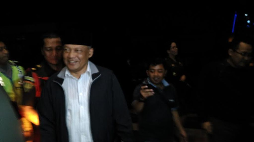 Korupsi DAK, Eks Wali Kota Probolinggo Buchori Digelandang ke Kejati Jatim