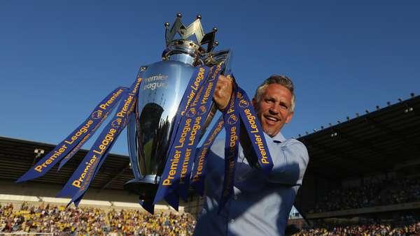 Penuhi Janji Jika Leicester Juara, Lineker Bawakan Acara dengan Celana Dalam