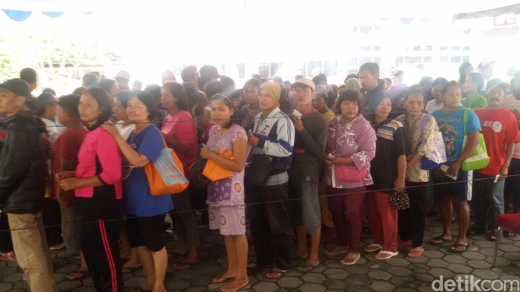 Ribuan Warga Yogya Serbu Sembako Murah dalam Rangka HUT RI