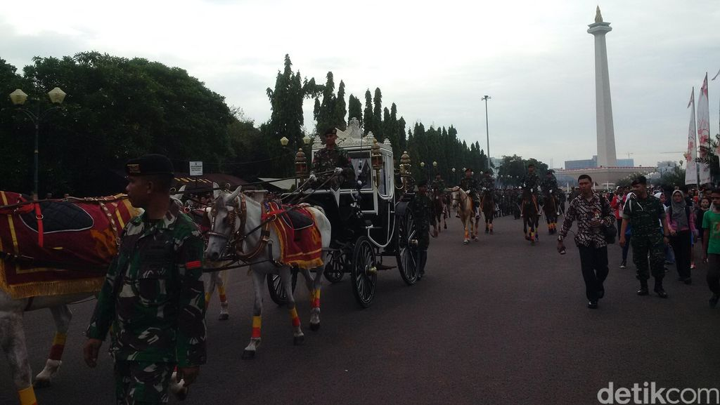 Gladi Kotor 17 Agustus, Kereta Kencana Ki Jaga Raksa Dihadirkan di Monas