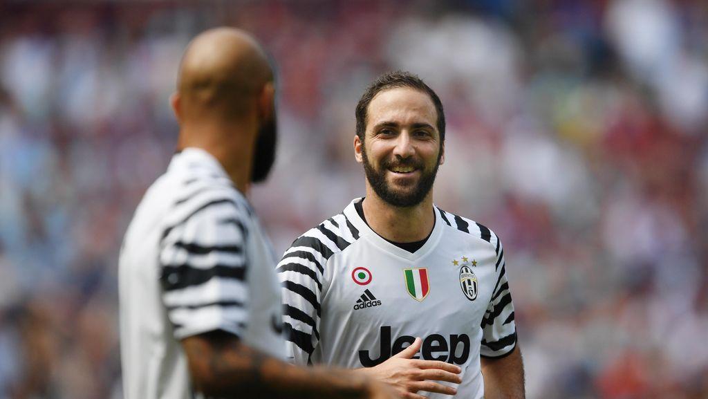 Jelang Debut dengan Juve, Higuain Kirim Pesan untuk Fans Napoli
