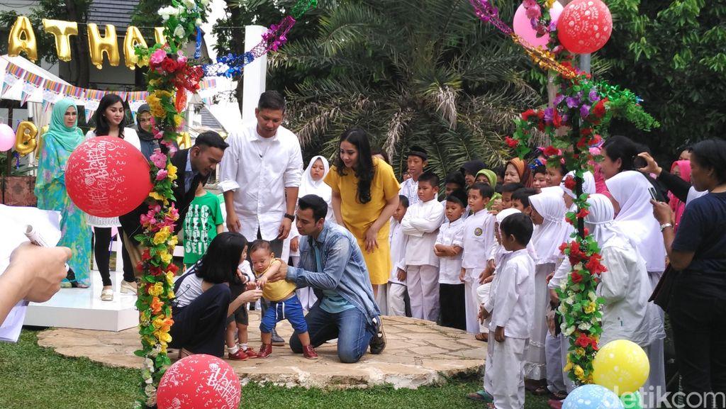 Pesta Rafathar dan Jedar Follow Lagi Ayu Ting Ting