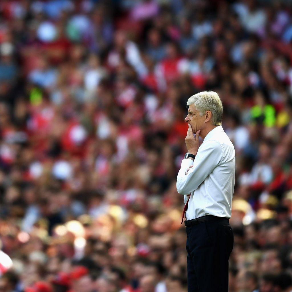 Klaim Kalah Finansial, Wenger Lempar Beban kepada PSG