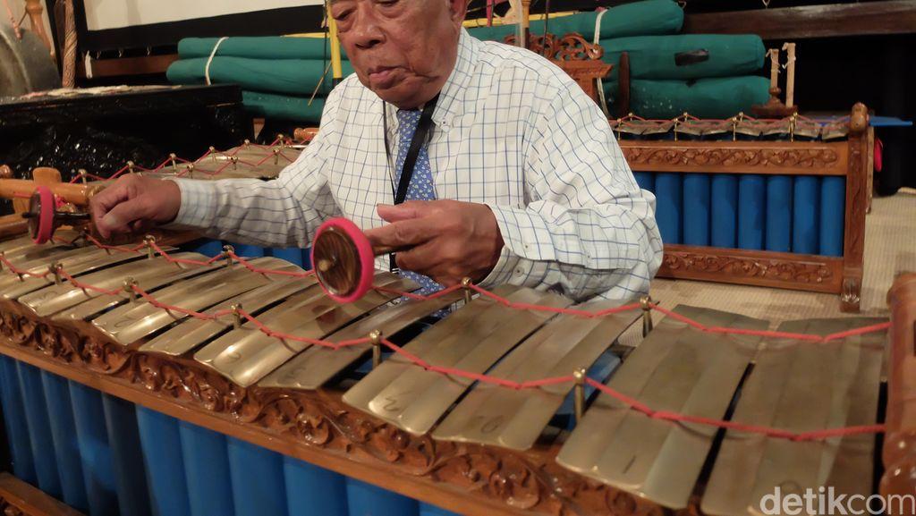 Mbah Soegito, Seniman Klaten yang Dedikasikan Hidup Mengajar Gamelan di Australia