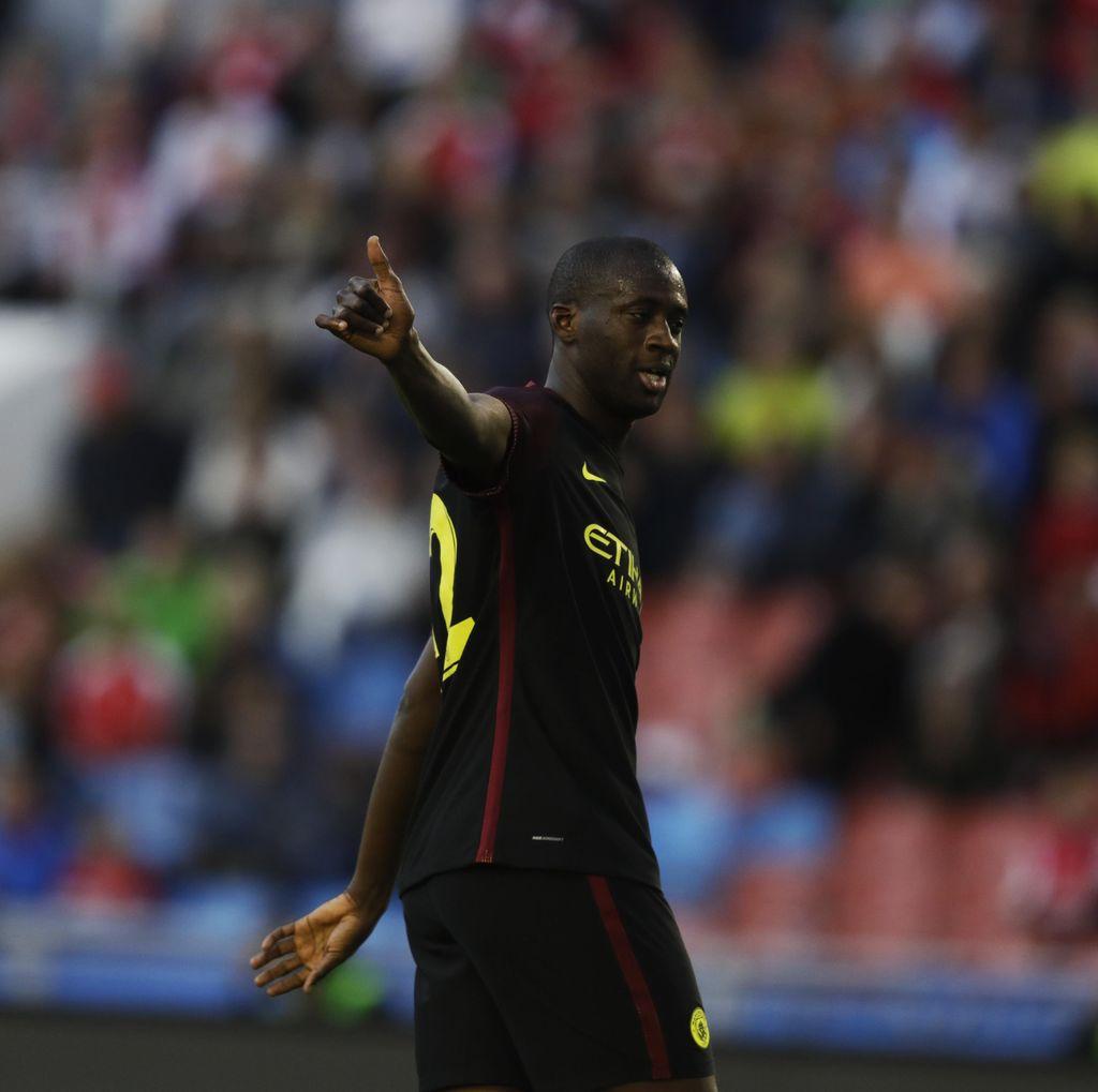 City Hadapi Steaua, Yaya Toure Ditinggal di Manchester