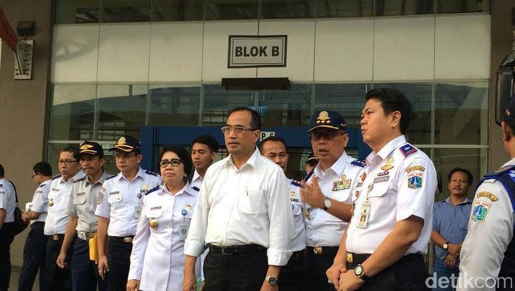 Menhub Tengok Terminal Pulogebang: Penumpang Keluhkan Susahnya Akses
