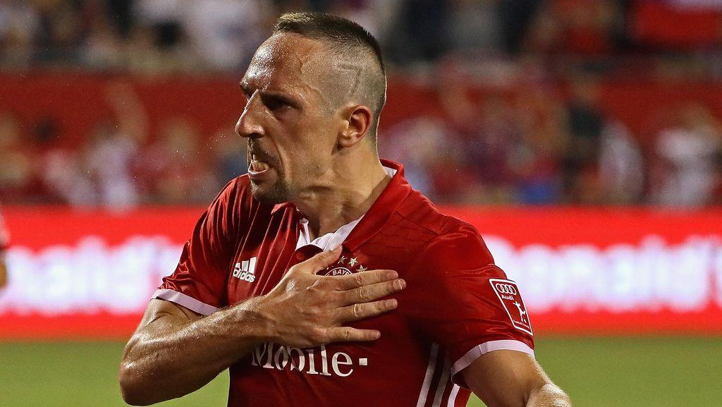 Lahm ke Ribery: Hati-Hati dengan Tanganmu