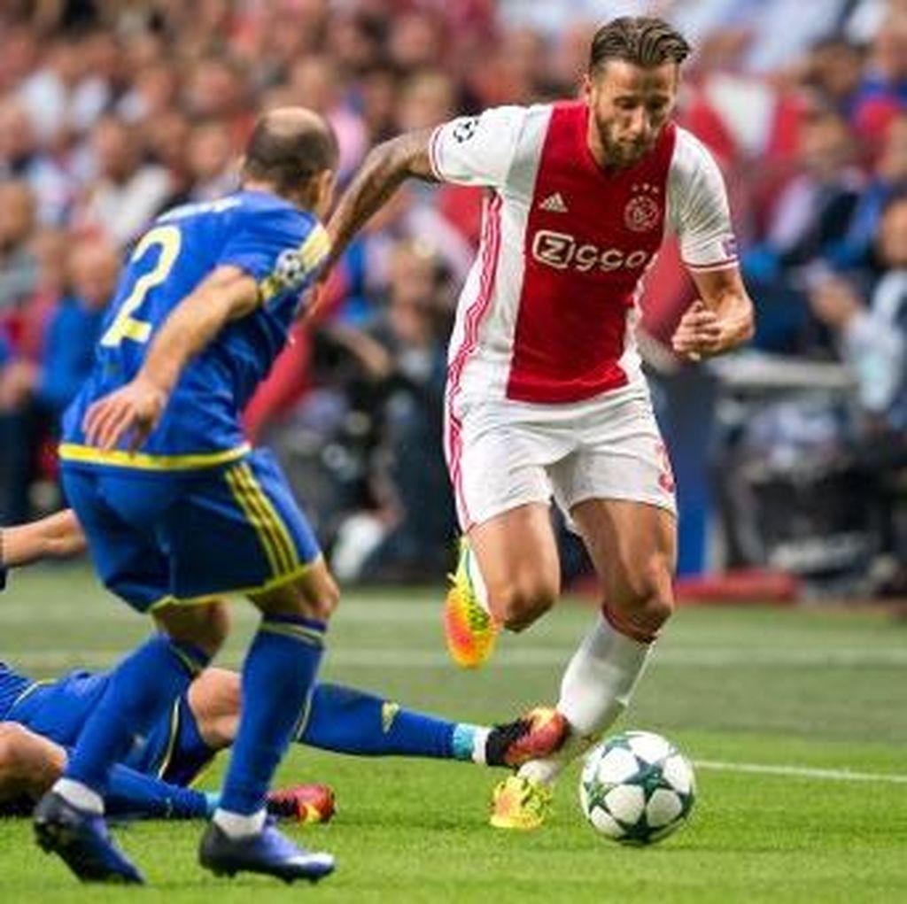 Ajax Diimbangi Rostov, Gladbach Atasi Young Boys