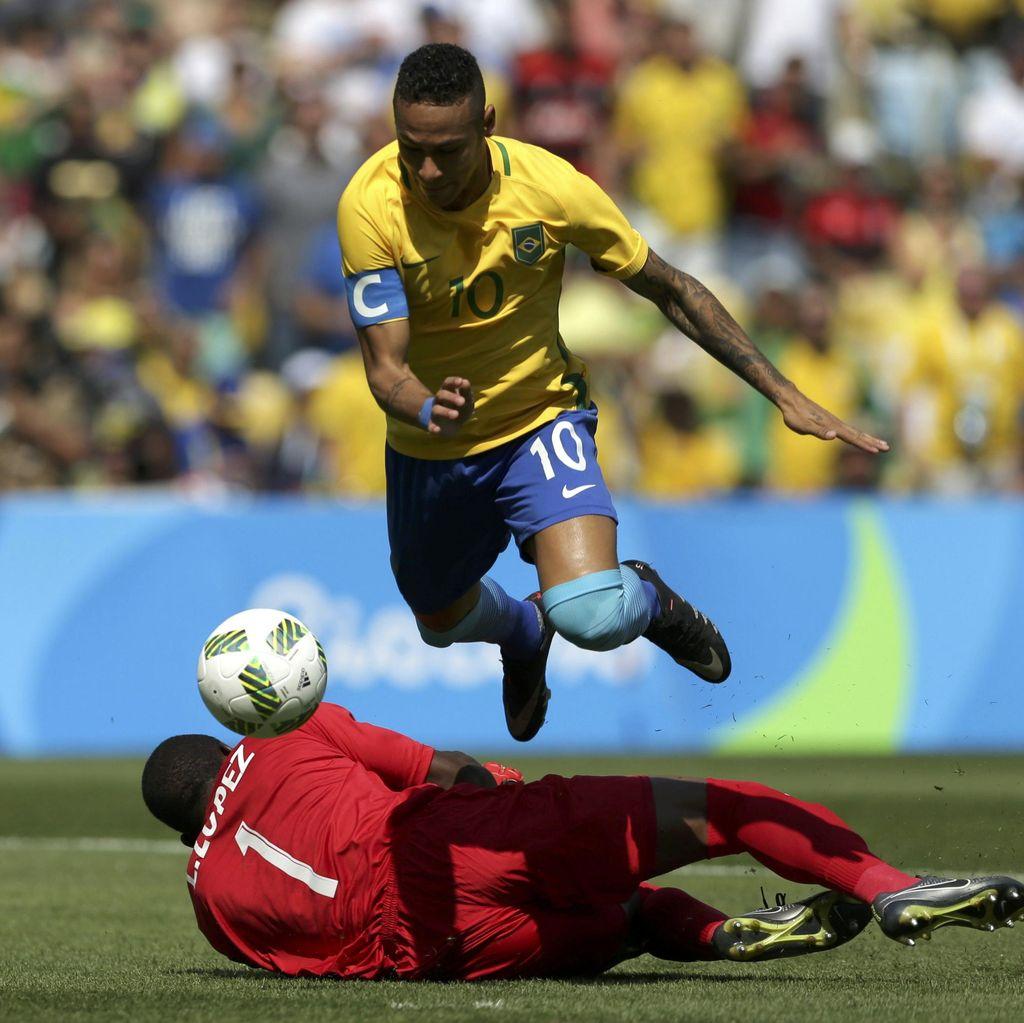 Tentang Gol Neymar di Detik ke-15