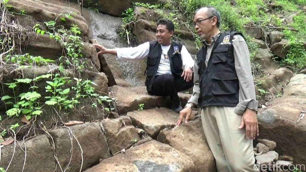 Membandingkan Batu Berundak di Purworejo dan Gunung Padang di Cianjur
