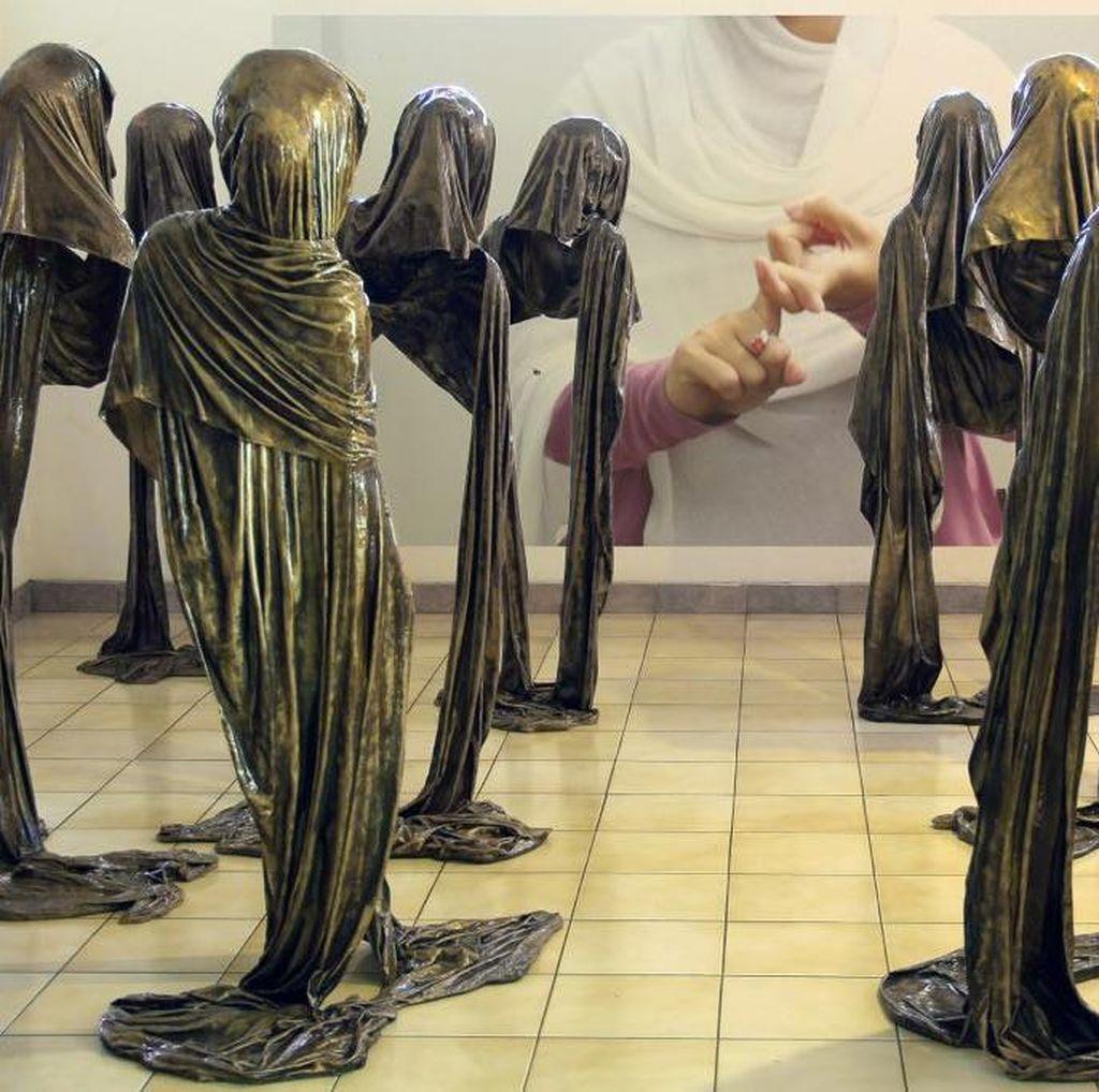 Patung 9 Wali Perempuan Tampil di Pameran Tunggal Lenny Ratnasari Weichert