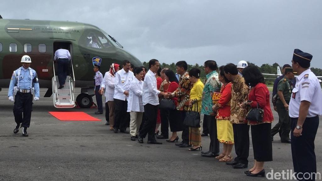 Jokowi Groundbreaking Perluasan Pelabuhan Sambas dan Ratas di Toba