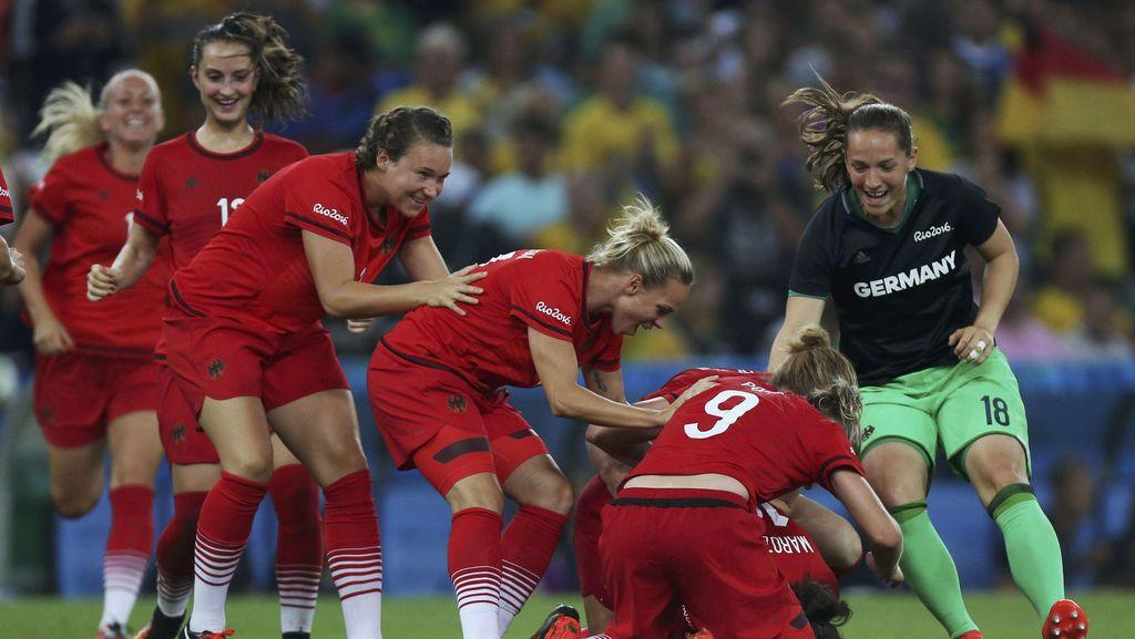 Tim Putri Jerman Rebut Emas Sepakbola