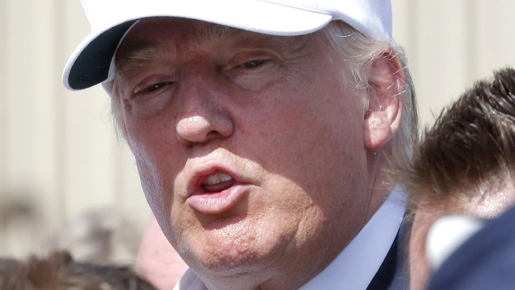 Donald Trump Mendahului Obama Kunjungi Korban Banjir Louisiana