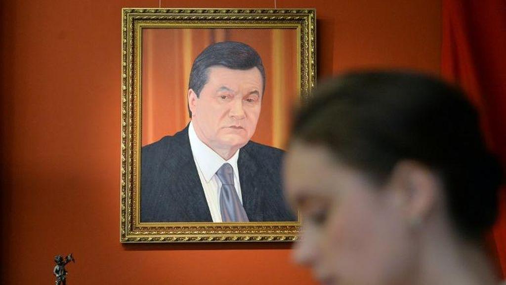 FBI Selidiki Keterlibatan Warga AS dalam Kasus Korupsi Eks Presiden Ukraina