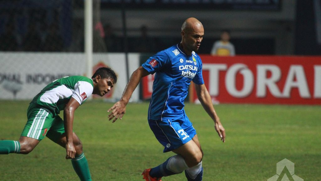Van Dijk Dua Gol, Persib Taklukkan PS TNI 3-0