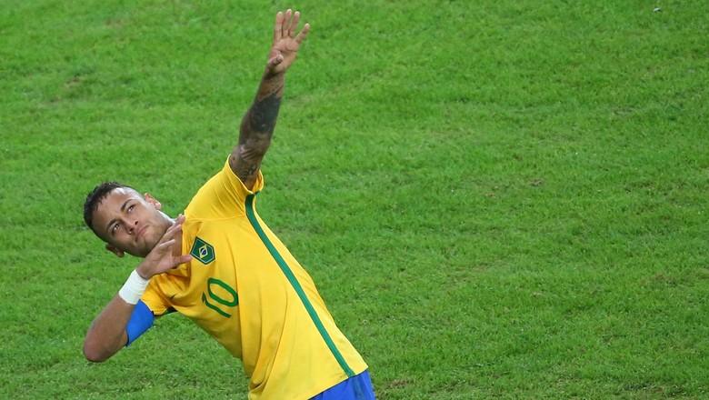 Pique Sebut Neymar Memang Harus Istirahat Dulu