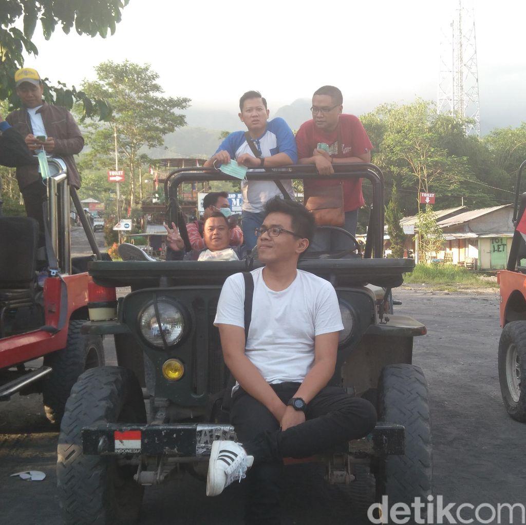 Bernyanyi Bersama Jikustik di Dalam Bus