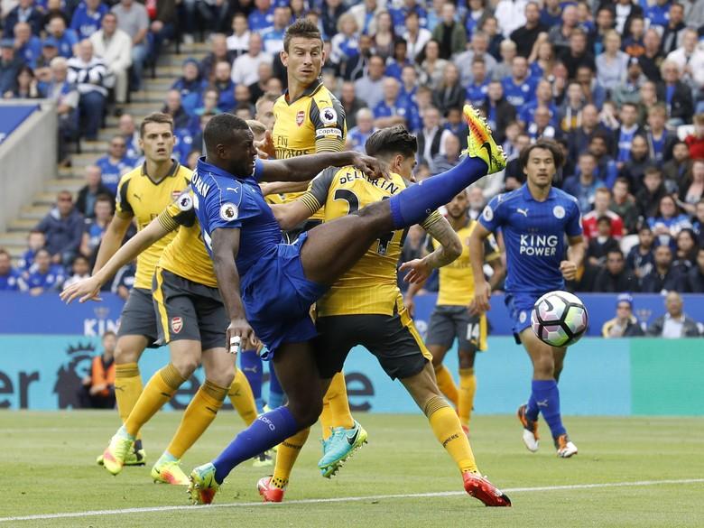 Leicester Berbagai Poin Dengan Arsenal