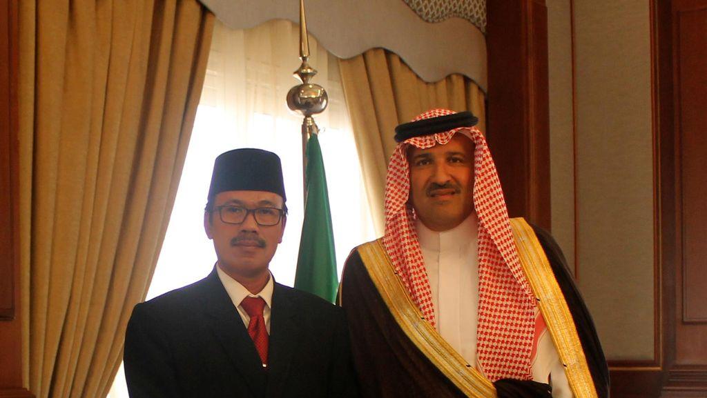 Dubes RI Bahas Perlindungan WNI di Arab Saudi Saat Bertemu Gubernur Madinah