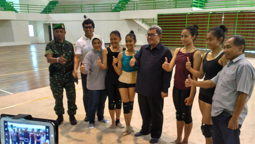 Gubernur Aher Pantau Lokasi PON di Arcamanik Bandung : Semangat Latihan!