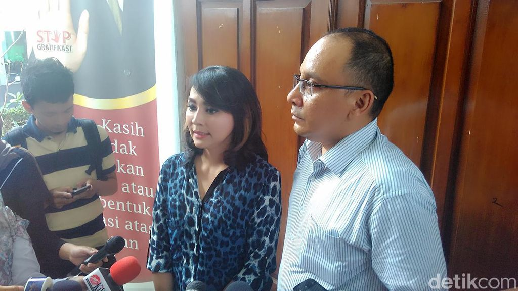Sandy Tumiwa Gugat Harta ke Tessa Kaunang, Kartika Putri Jauhi Jessica
