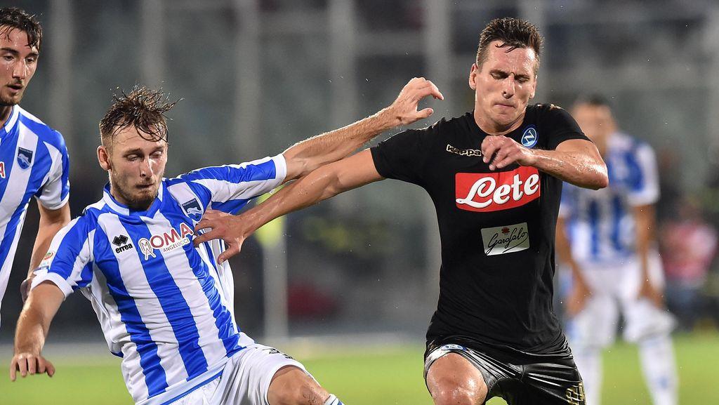 Napoli Diimbangi Klub Promosi Pescara 2-2
