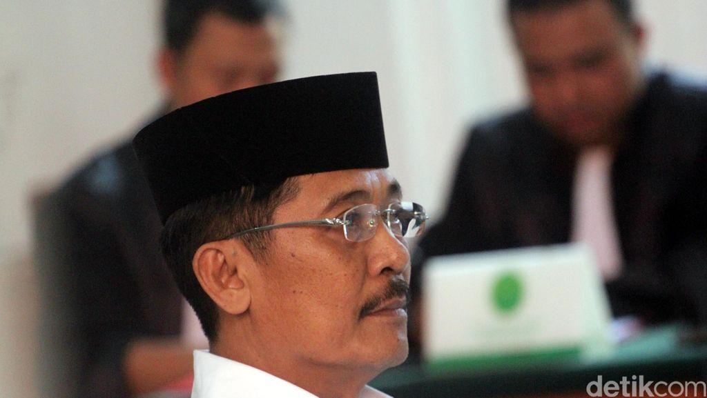 Terbukti Memeras, Bupati Barru Divonis 4,5 Tahun Penjara
