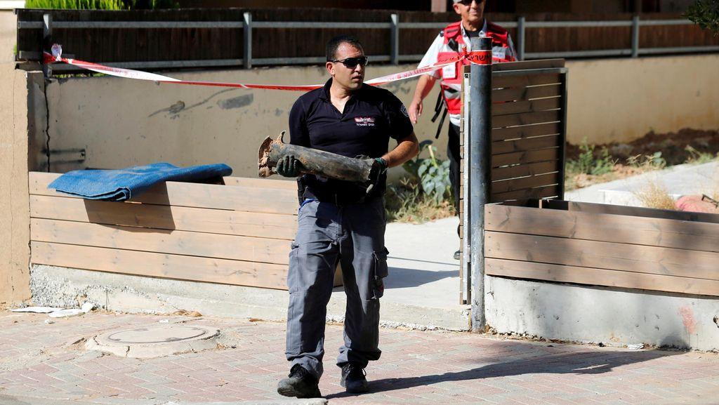 Diserang Roket Militan, Israel Balas Bombardir Gaza