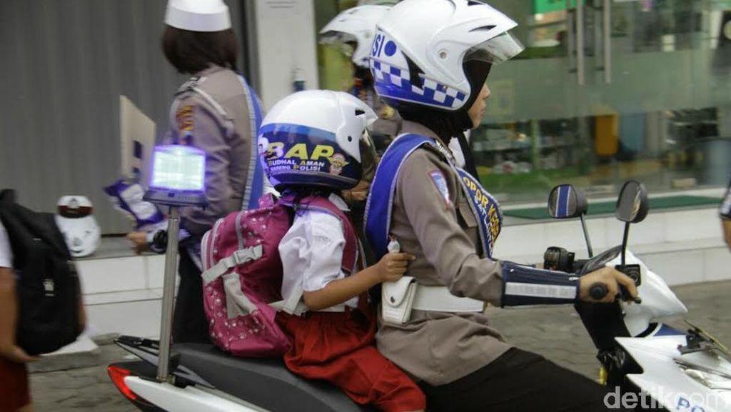 Cara Unik Polisi Semarang Sadarkan Siswa dan Orangtua Agar Tertib Berlalu Lintas