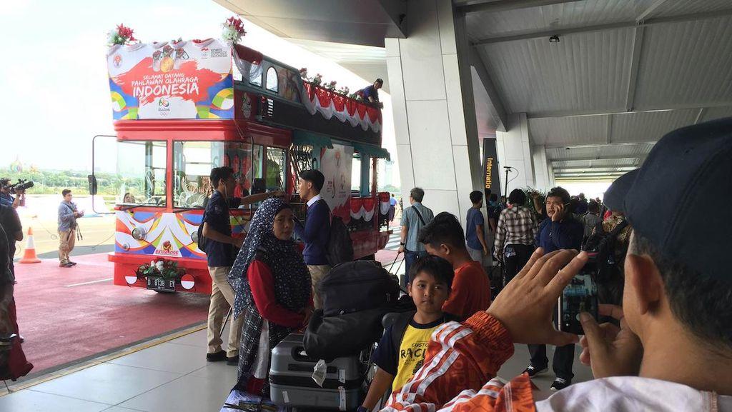 Bandros yang Menarik Perhatian Publik di Bandara Soeta