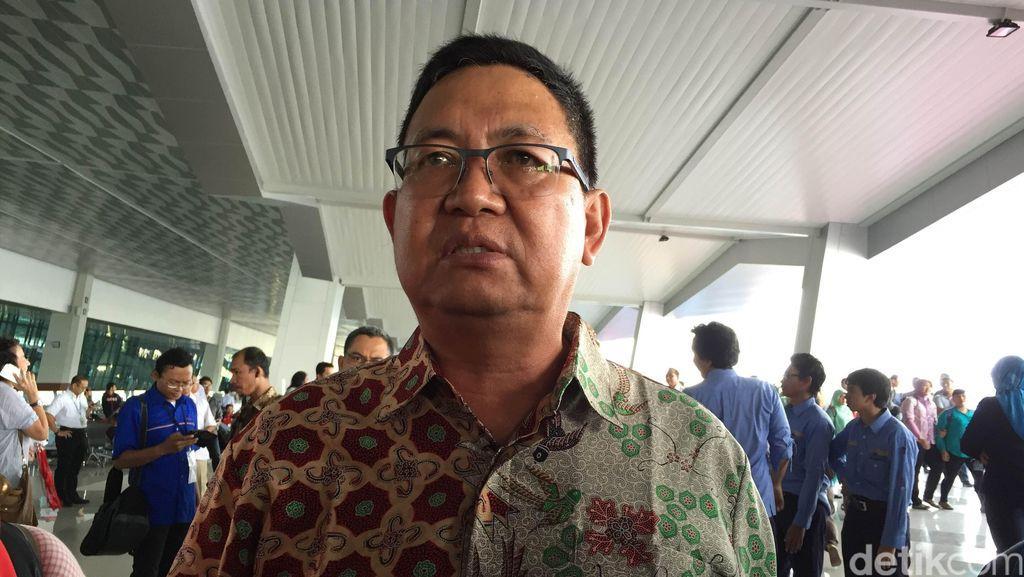 Lagu Indonesia Raya yang Berkumandang Dinihari di Depan Rumah Butet