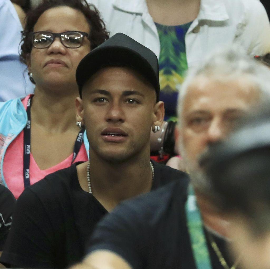 Barca Tunggu Neymar Bulan Depan