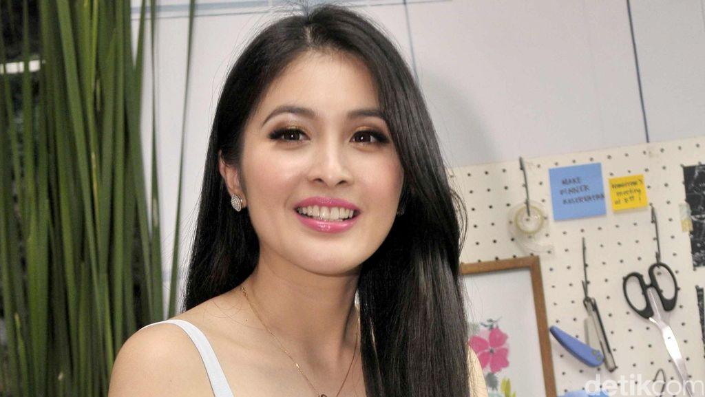 Jelang Nikah, Sandra Dewi dan Pasangan Masih Sama-sama Sibuk