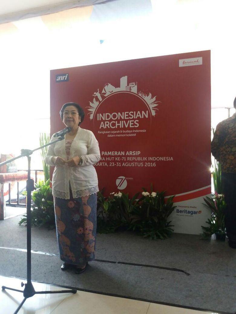 News Senyum Megawati Menjawab Pertanyaan Soal Pilgub DKI