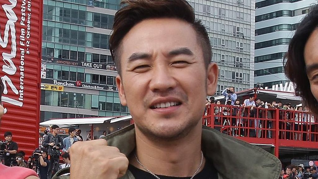 Aktor Korea Uhm Tae Woong Dilaporkan Atas Tuduhan Pelecehan Seksual