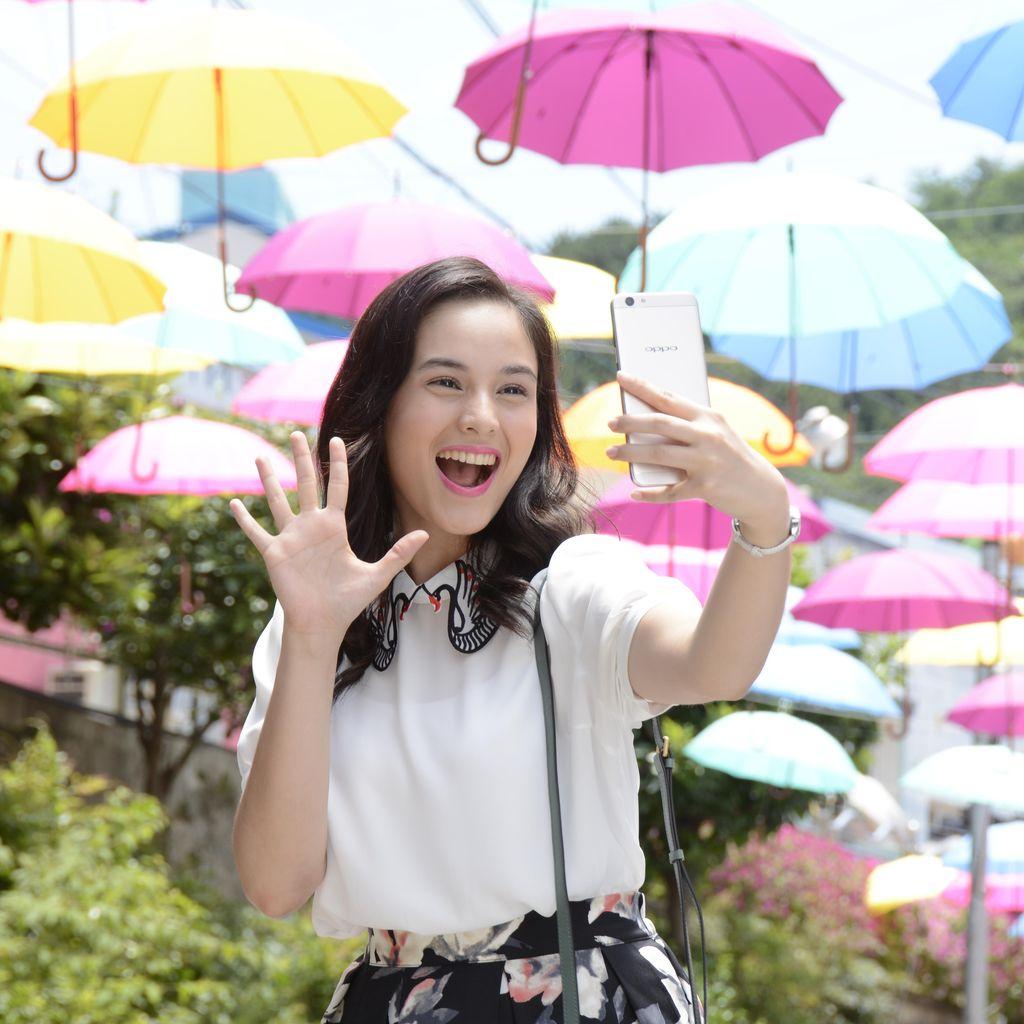 Cerita Seru Chelsea Islan Selfie dengan Penggemar