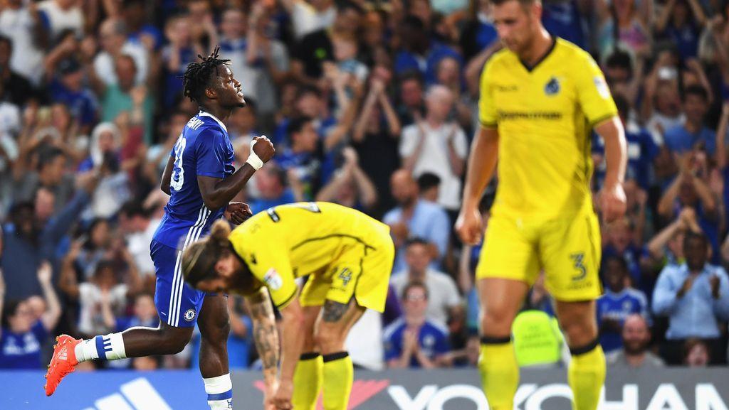 Dua Gol Batshuayi Bantu Chelsea Singkirkan Bristol di Babak Kedua