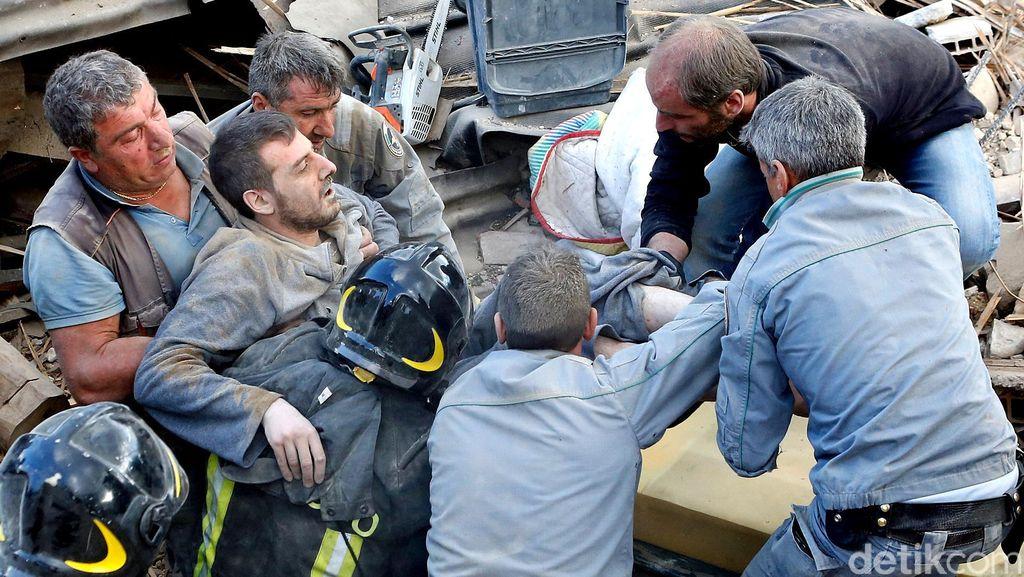 Korban Tewas Gempa Italia Jadi 250 Orang, 8 di antaranya Warga Asing