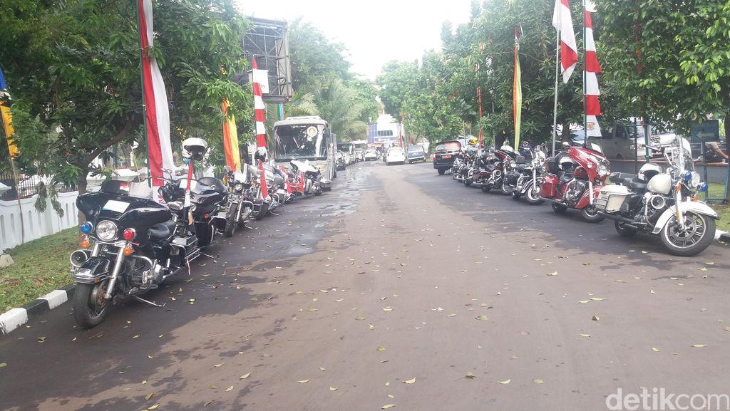 Komunitas Harley dan Go-Jek Ikut Arak-arakan Rombongan Olimpiade ke Istana