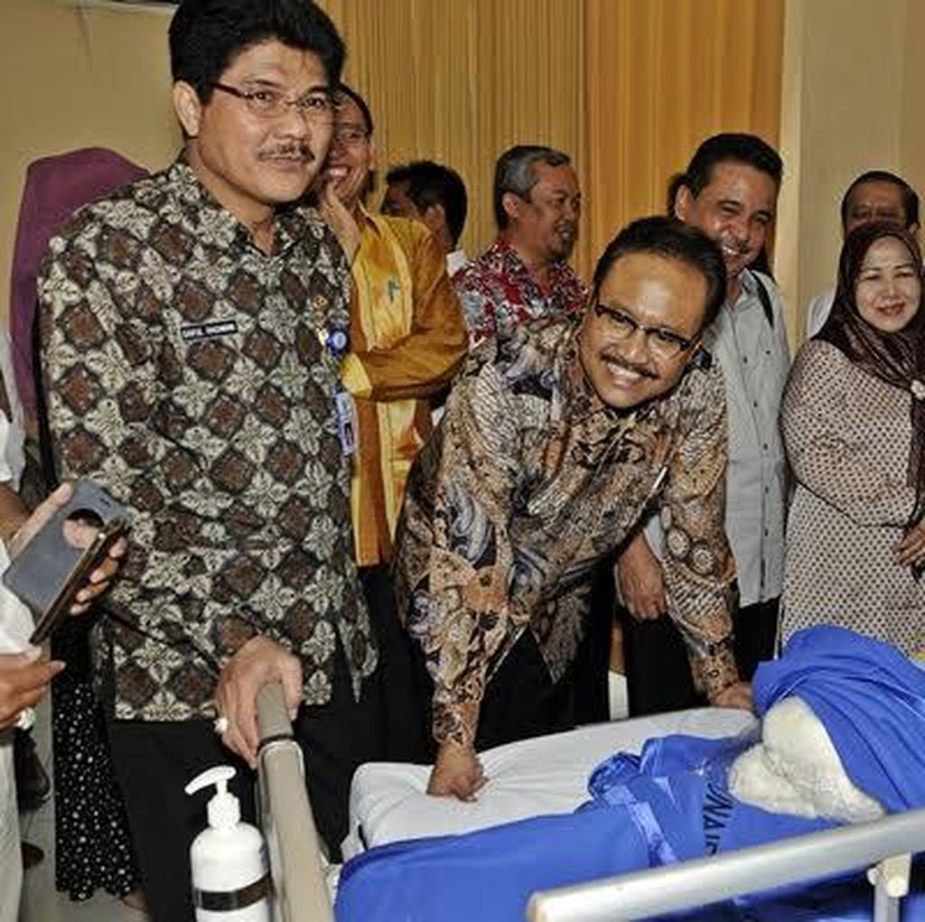 Wagub Jatim Support Tutik si Pasien Sumbing