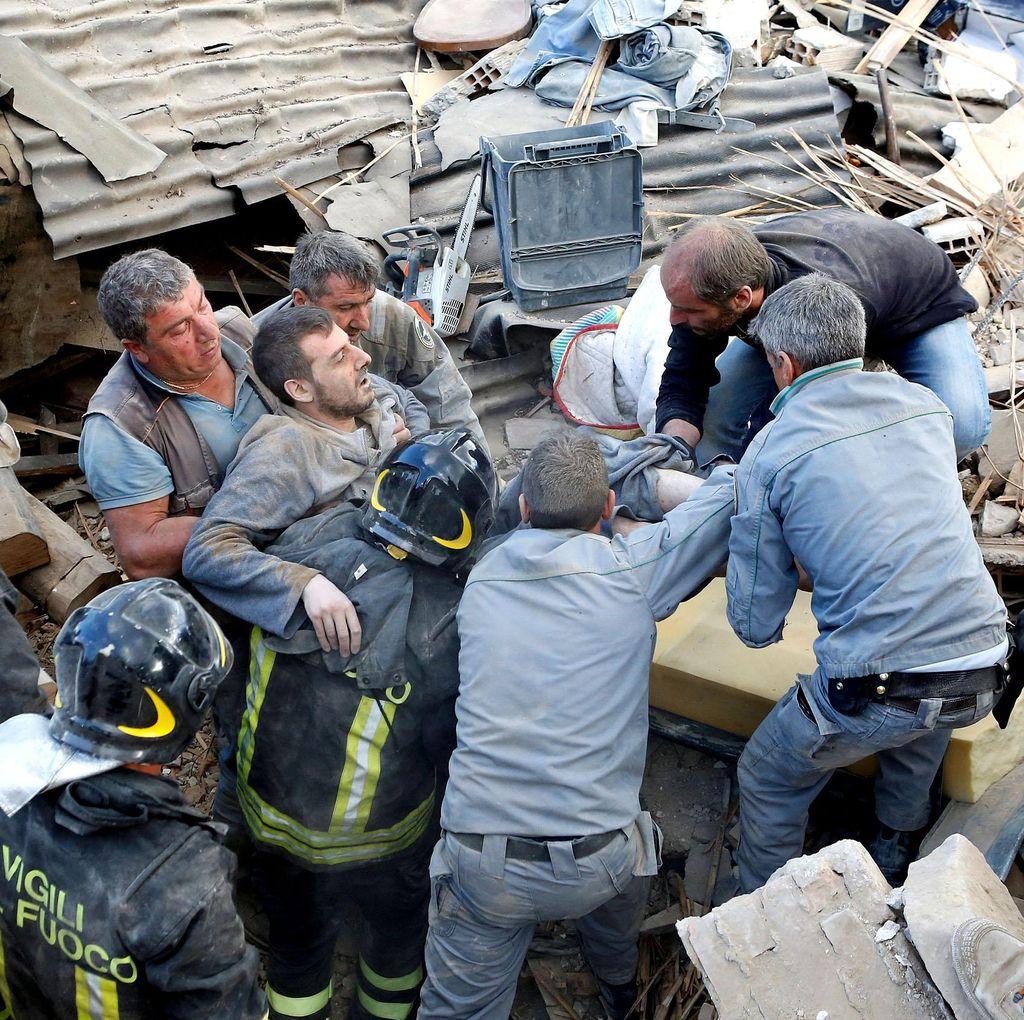 Korban Jiwa Gempa Italia Menjadi 120 Orang, Petugas Terus Gali Reruntuhan
