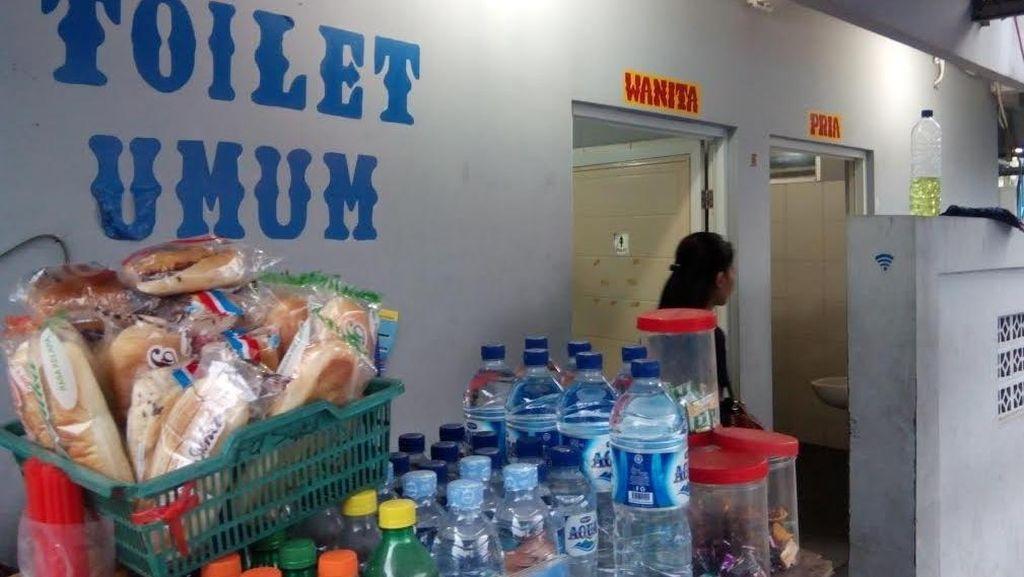 Toilet di Halte Ragunan, Penumpang: Nggak Apa Bayar Rp 2 Ribu yang Penting Bersih
