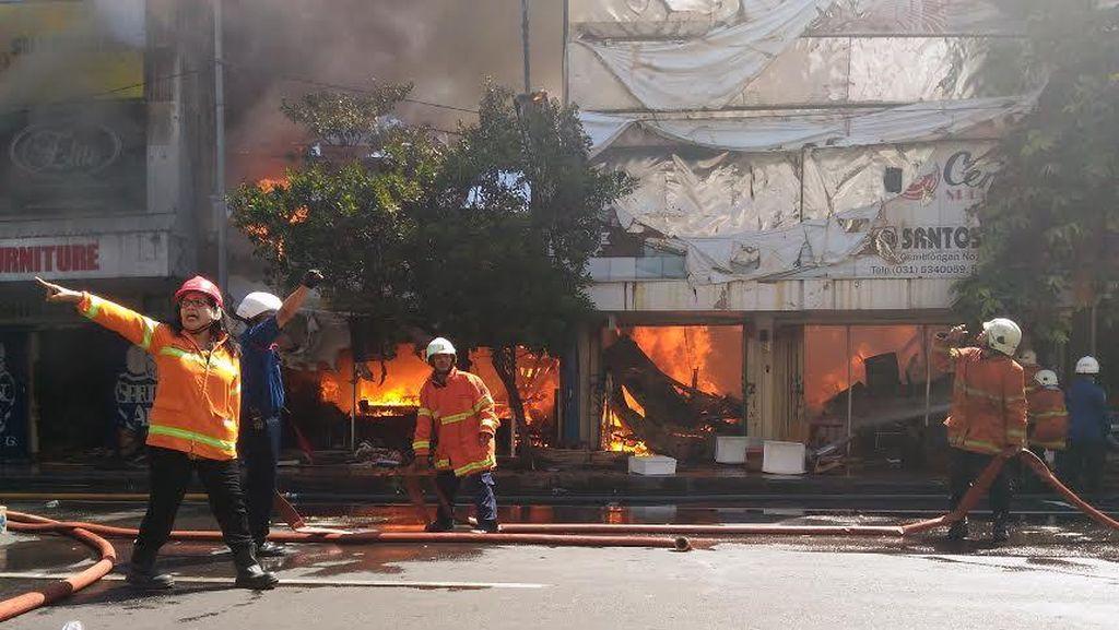 Kebakaran di Gemblongan Diduga Berasal dari Toko Trijaya, Diduga Korsleting
