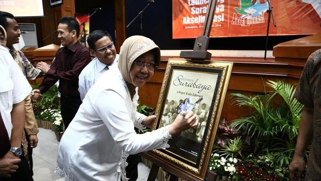 Risma Ingin Anak-anak Surabaya Banyak Membaca Agar Lebih Kreatif