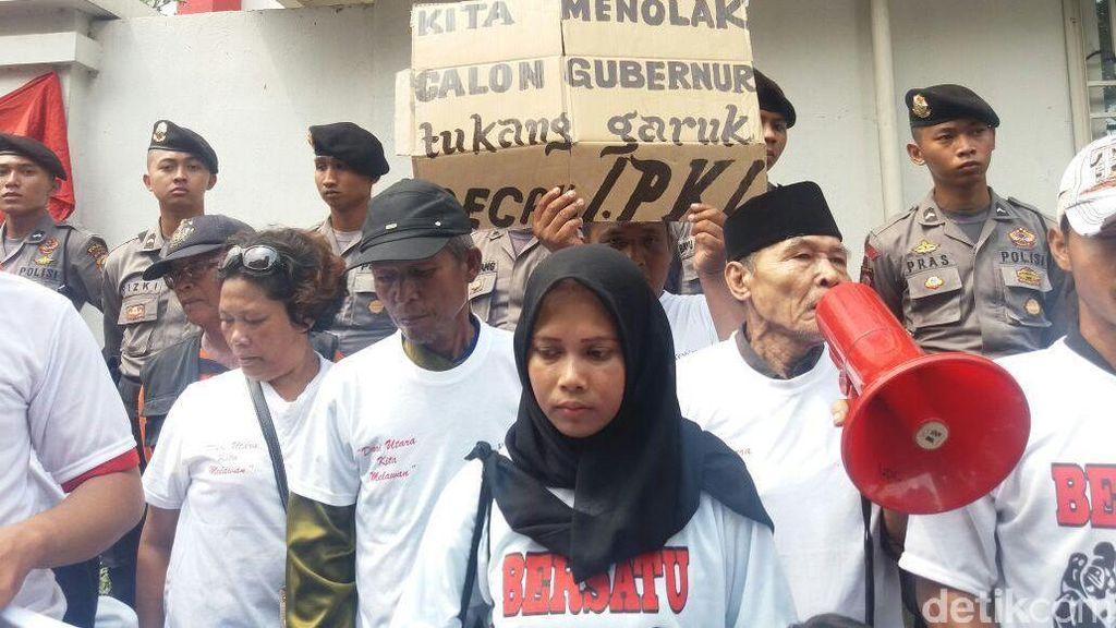 Pendemo Anti Ahok Minta PDIP Ajukan Risma di Pilgub DKI