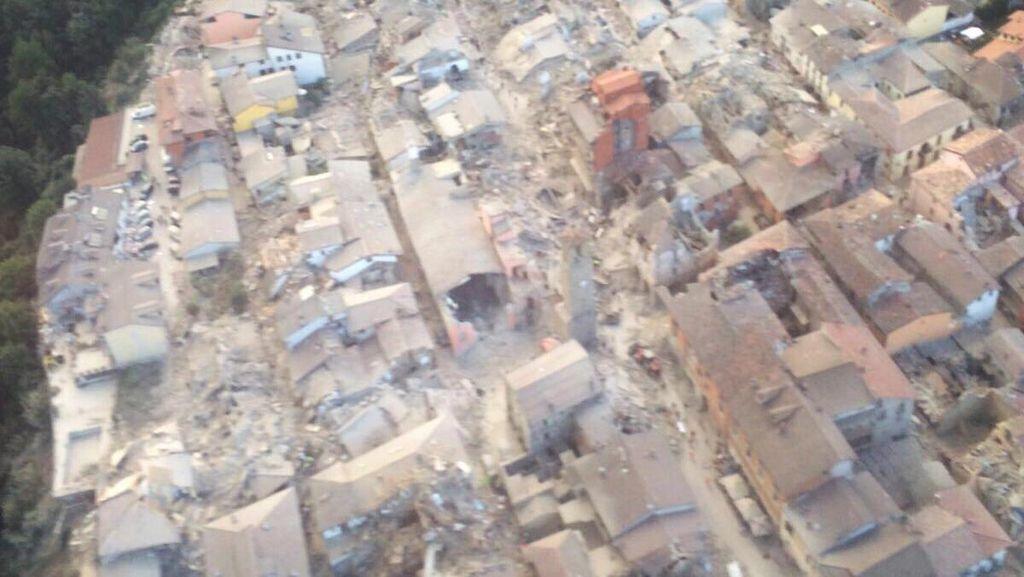 Kerusakan Gempa di Italia Lewat Kamera Drone