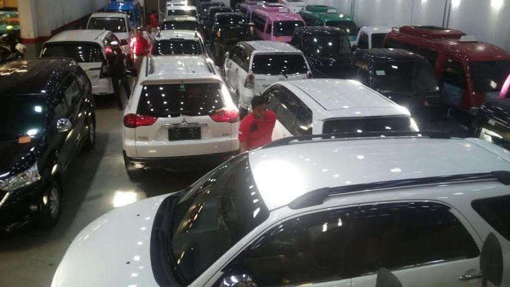 Tersangka Penyelundupan Mobil ke Timor Leste Diserahkan ke Kejaksaan