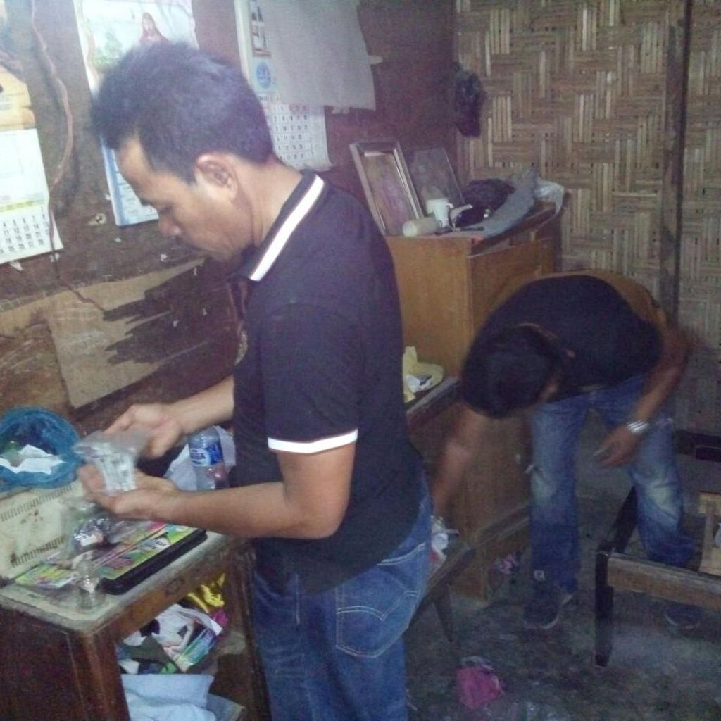 Gerebek Sebuah Kampung di Medan, Polisi Sita Sabu dan Tangkap Pengedarnya
